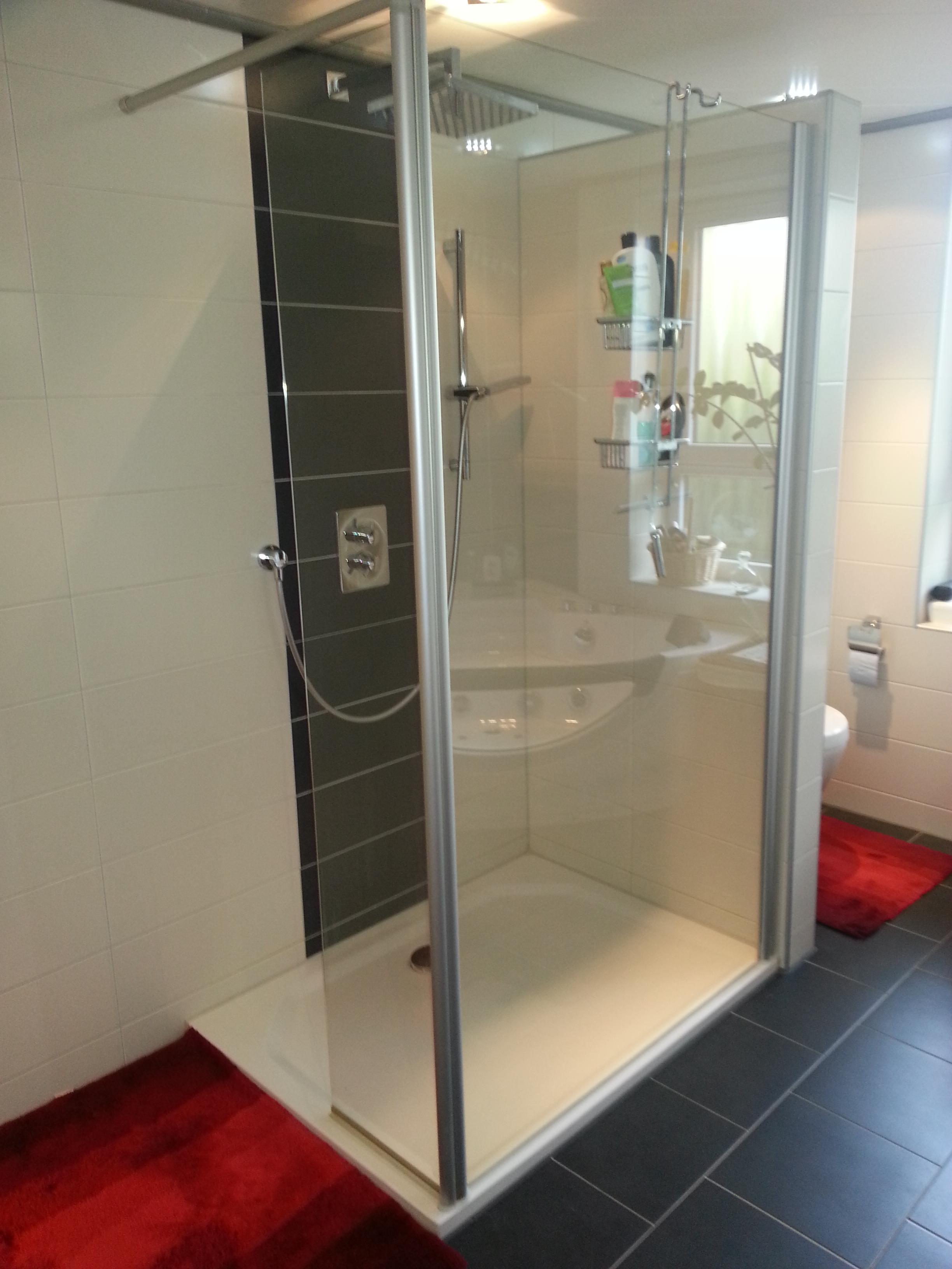 Gerd Nolte Heizung & Sanitär – Badezimmer Walkin Dusche und Puris Badmöbel