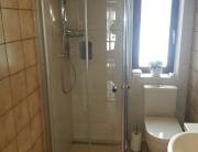 Badezimmer 6 Dusche und WC