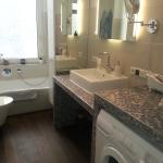 Badezimmer 4 Waschbecken