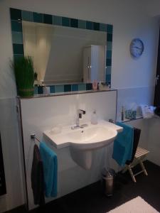 Gerd Nolte Heizung & Sanitär – Badezimmer 10 Waschbecken Acrylglas