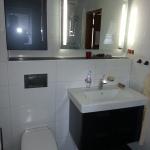 Badezimmer 2 Waschbecken und WC